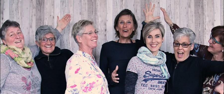 freudige Frauengruppe